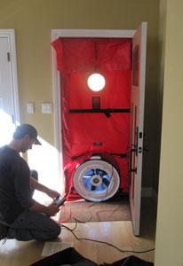 Blower door - measures building leakage